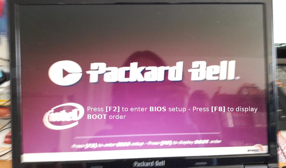 écran de démarrage de l'ordinateur indiquant sur quelles touches appuyer pour entrer dans le bios