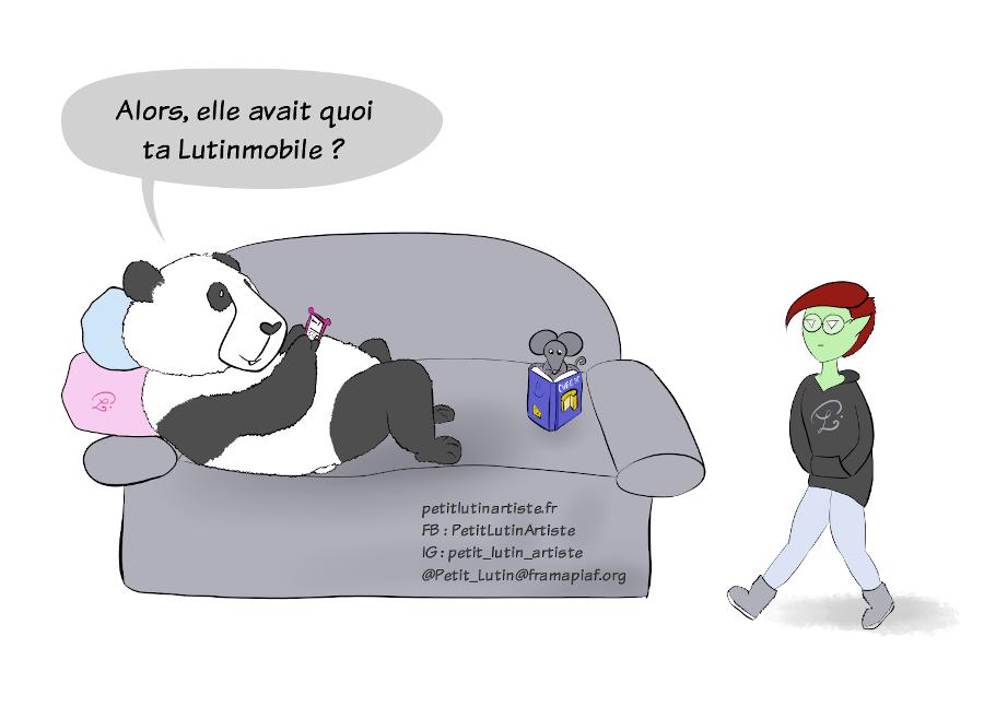 """Case 1 du HotPanda : Moustache le panda et Noisette la souris sont dans le canapé. Moustache est sur son téléphone, Noisette lit un livre sur le fromage. Moustache demande à Petit Lutin : """"Alors, elle avait quoi ta Lutinmobile ?"""""""